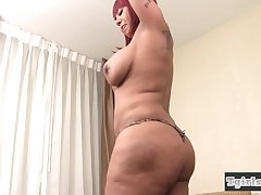 Curvy ebony ts plays with her chocolate dick